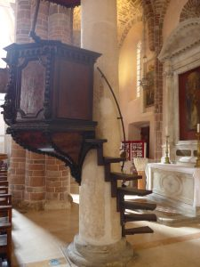 Kotor cathedral pulpit
