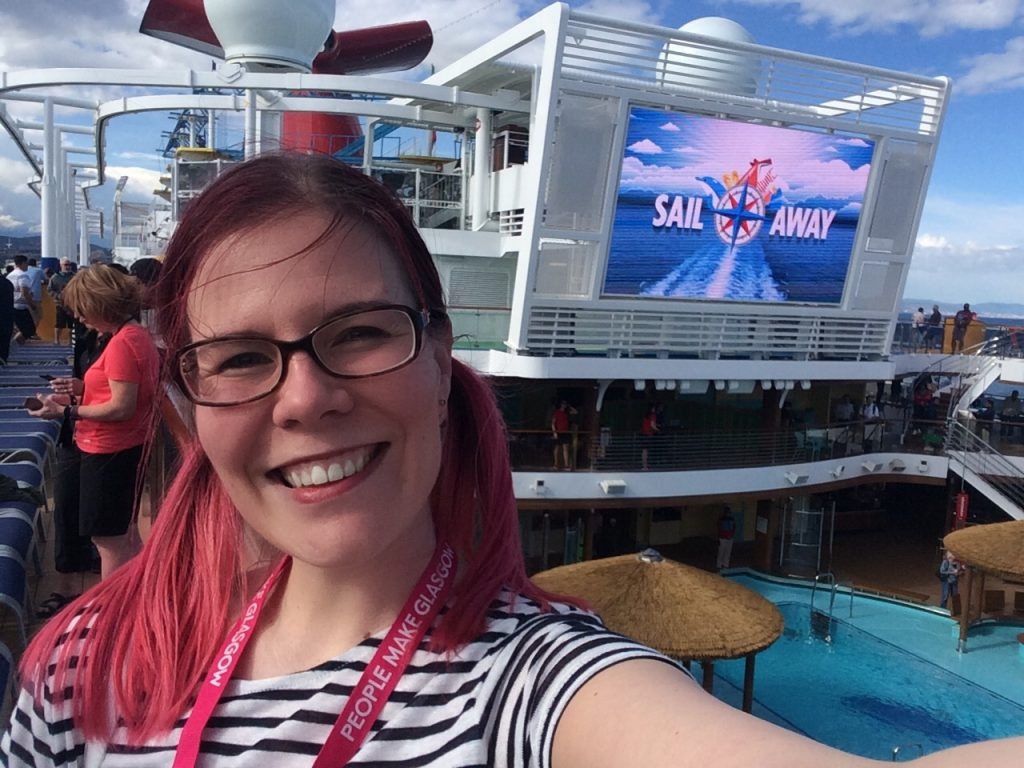 vegancruiser on Carnival Horizon lido