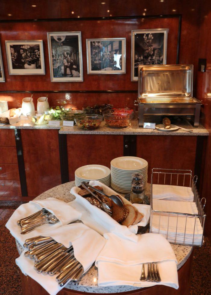 pre-sailaway vegan buffet