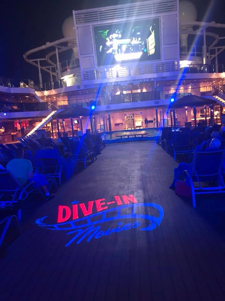 Dive in Movies Carnival Panorama Horizon deck at night